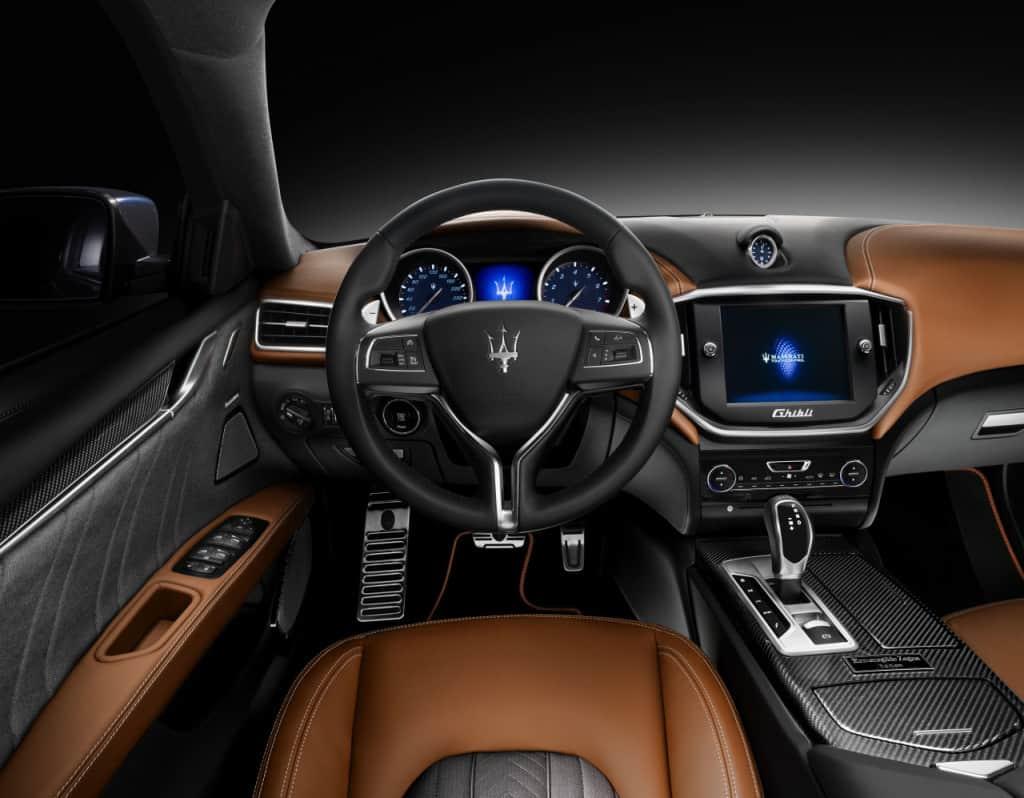 """מראה ממושב הנהג (צילום יח""""צ חו""""ל)"""