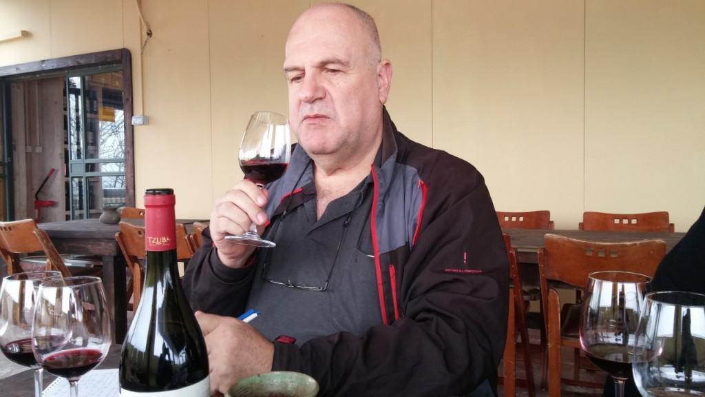טעימת יינות אדומים (צילום אביבה בר)