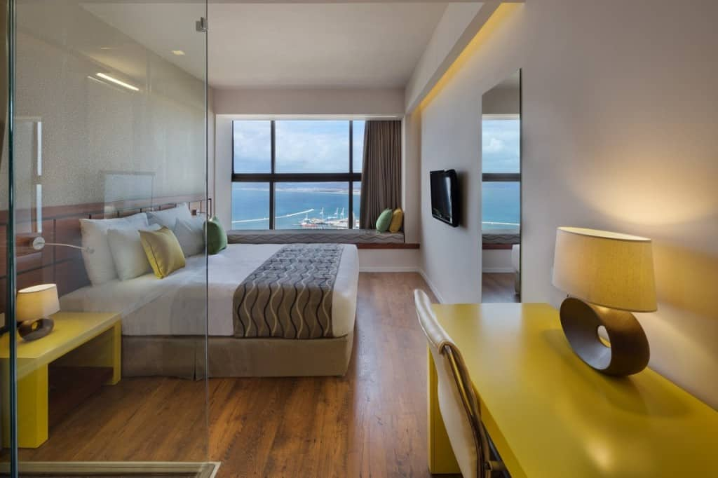 חדר במלון (צילום אסף פינצ'וק)