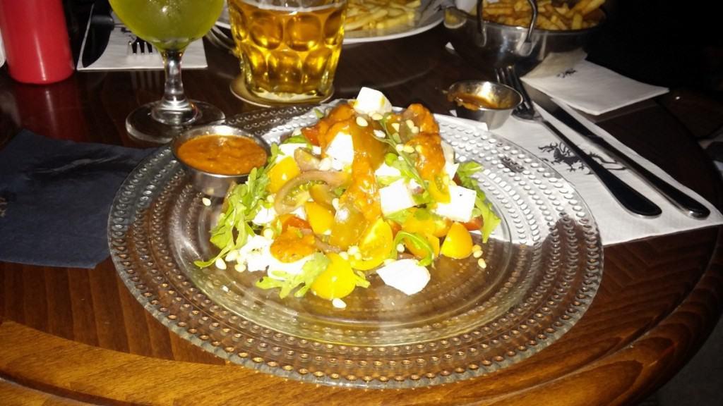 סלט עגבניות עם מוצרלה (צילום אור ודניאל)