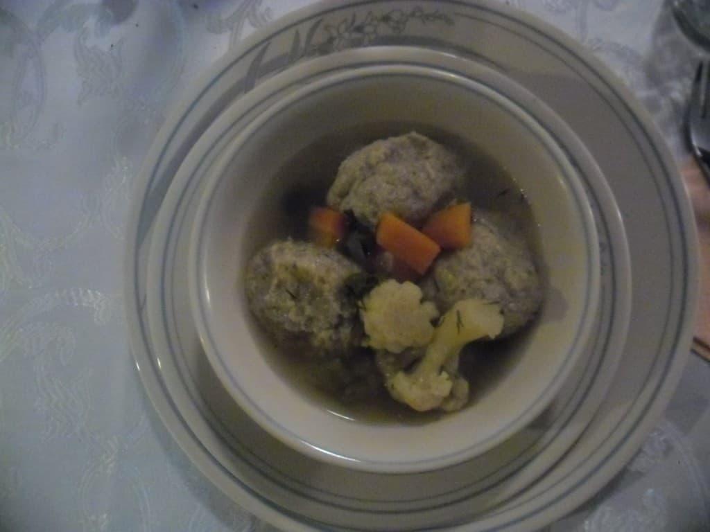 מרק ירקות עם קניידלך (צילום דני בר)
