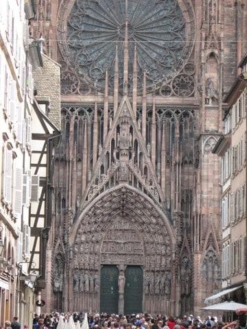 חזית כנסיית נוטרה-דם של שטרסבורג (צילום דני בר)