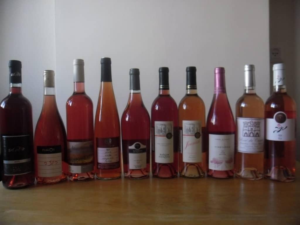 מבחר יינות רוזה (צילום דני בר)