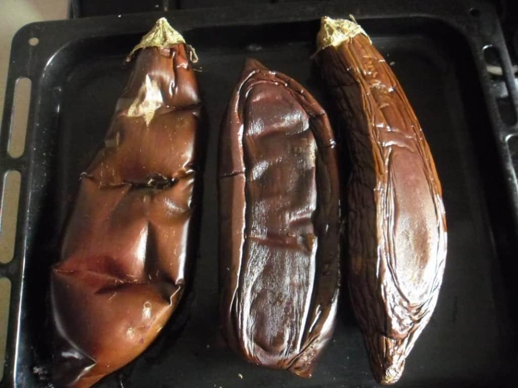 החציל קלוי בתנור (צילום דני בר)