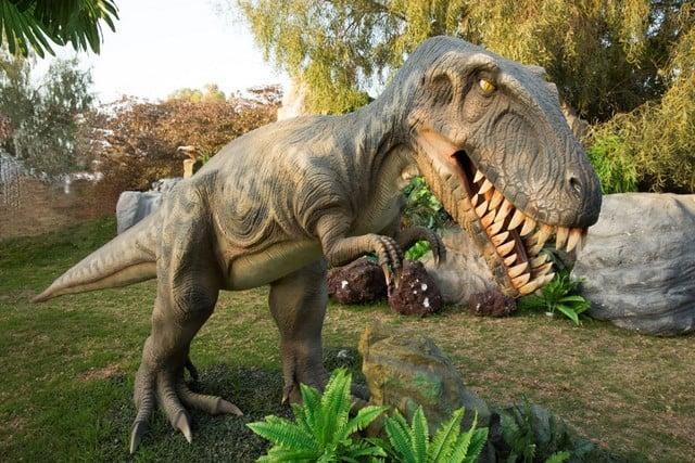 תערוכת ממלכת הדינוזאורים (צילום עודד אנטם)