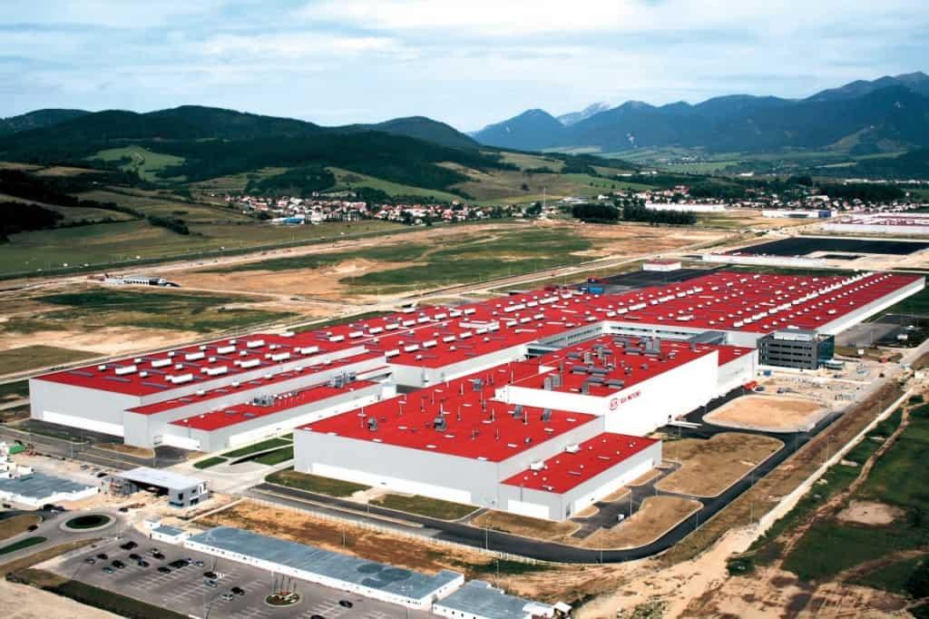 """מפעל קיה אירופה בסלובקיה (צילום יח""""צ חו""""ל)"""