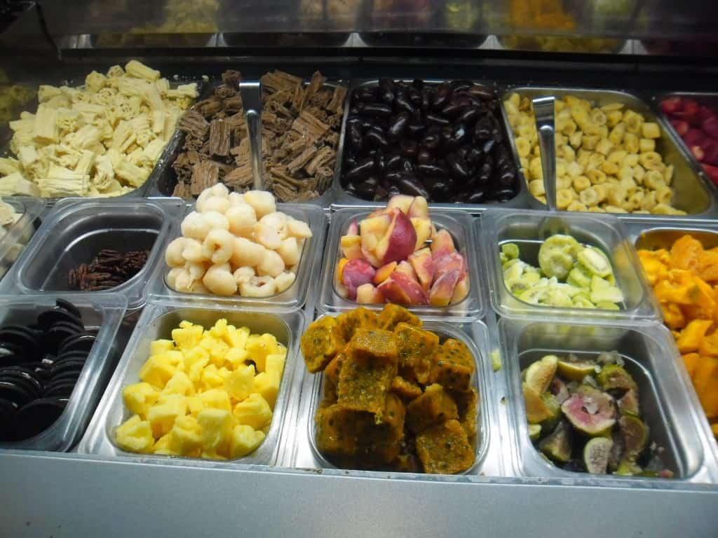 """גלידה אנדריי בשלל טעמים וצבעים (צילום יח""""M)"""