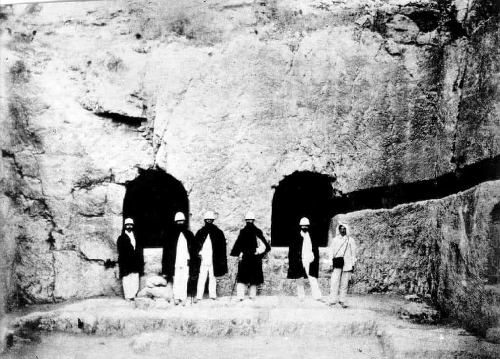המשלחת של הרצל בבית הקברות בירושלים (צילום: הארכיון הציוני המרכזי של ההסתדרות הציונית העולמית)