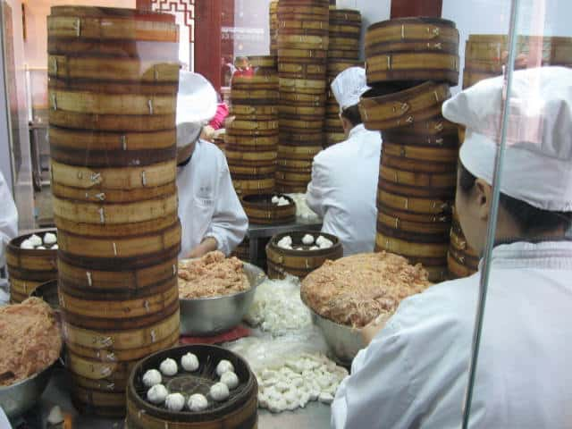 כאן מכינים רק דים סאם- הרובע הסיני שנגחאי (צילום דני בר)