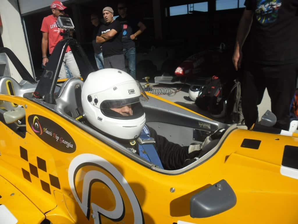 הנהג התחרותי (צילום דני בר)