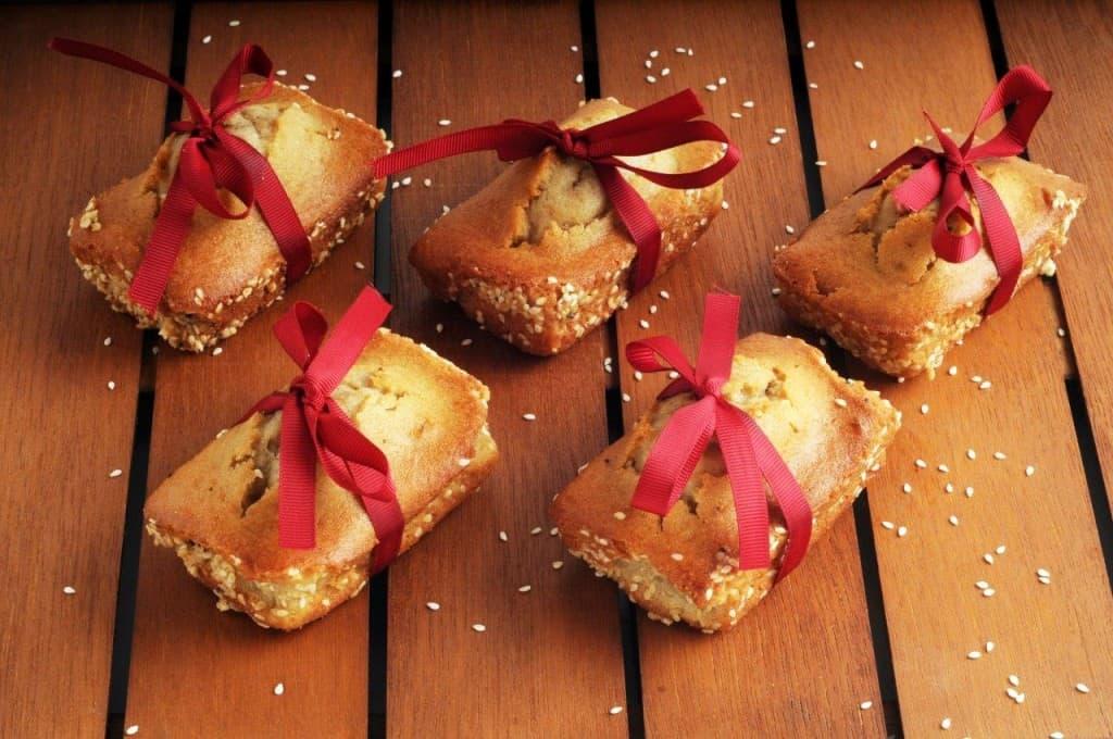 מיני עוגות טחינה (צילום וסטיילינג: יולה זובריצקי)