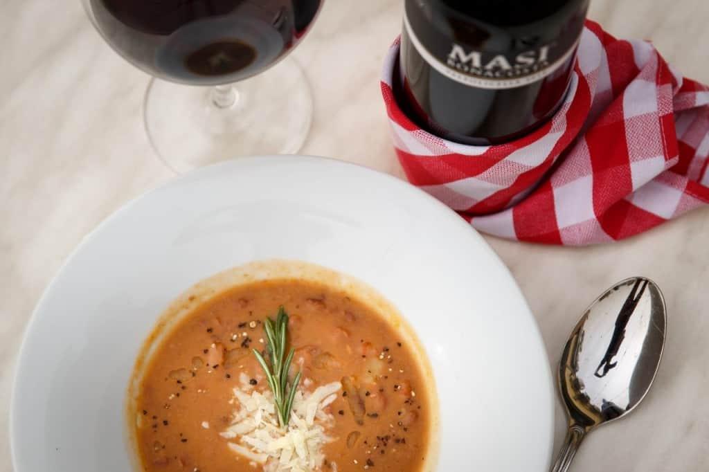 מרק עם יין MASI