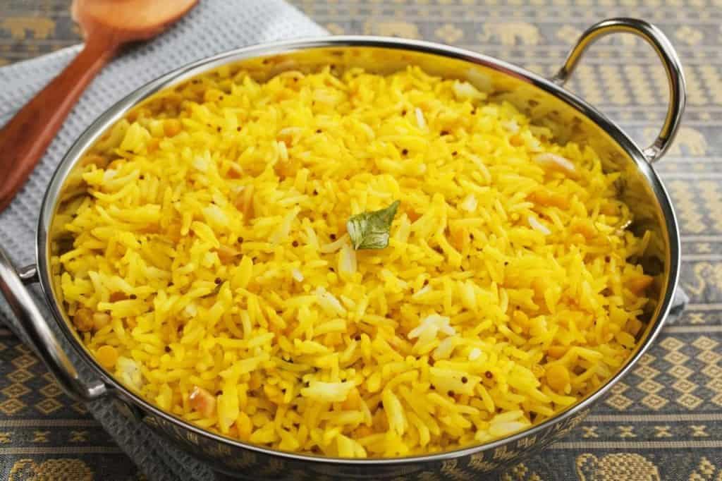 תבשיל אורז עם עדשים וכורכום טרי (צילום חוות תקוע)