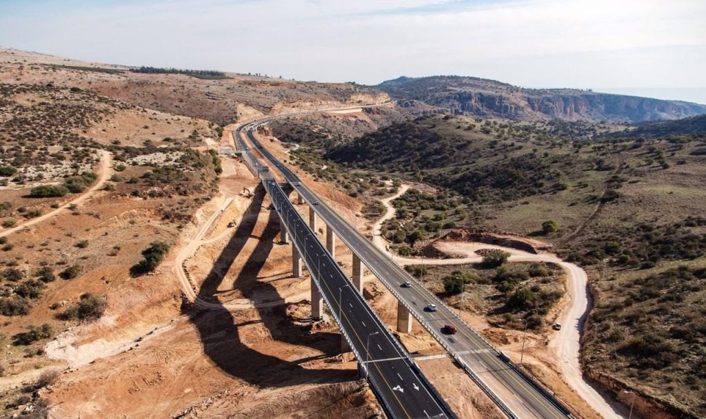 הכביש בין צומת עמיעד למחלף נחל עמוד (צילום אלבטרוס)