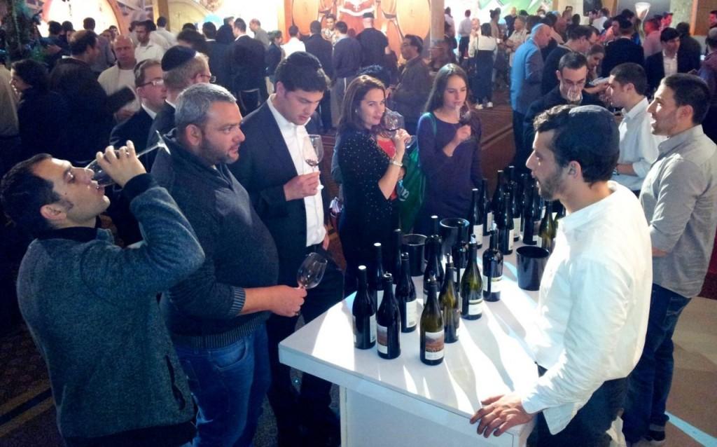 דוכן יקב הרי גליל בתערוכת היין הכשר בירושלים 2014