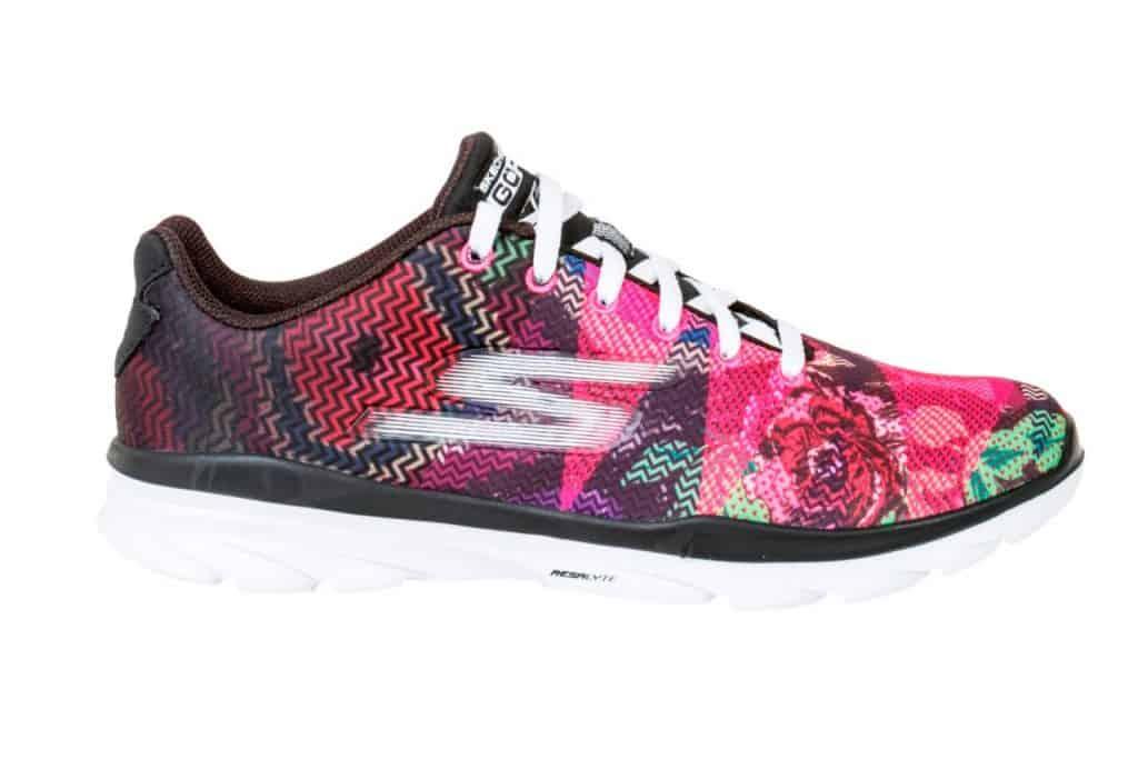 """נעלי סקצ'רס להשיג בחנויות הרשת (צילום יח""""צ)"""