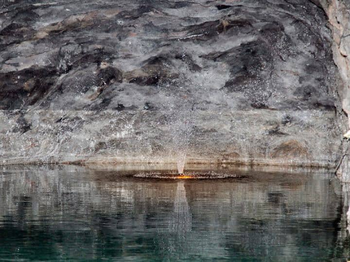 מראה באגם שבמערת זיגרוטה (צילום דני בר)