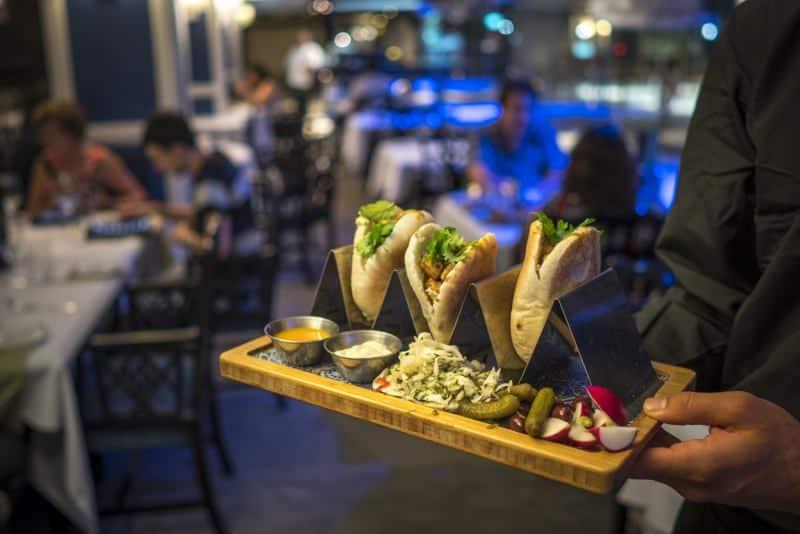 מסעדת פארליה (צילום אנטולי מיכאלו)
