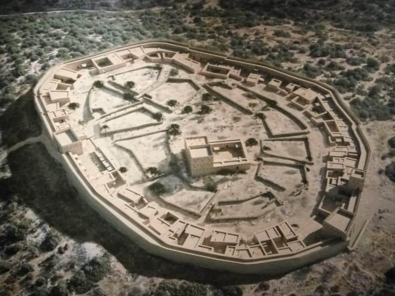 דגם העיר בעלת 2 השערים- שעריים (צילום דני בר)