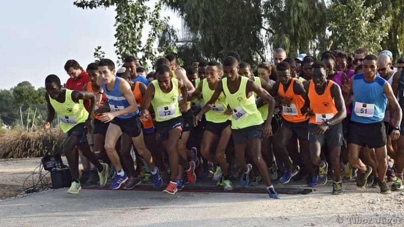 אתלטי הסמטה (צילום טיבור יגר)
