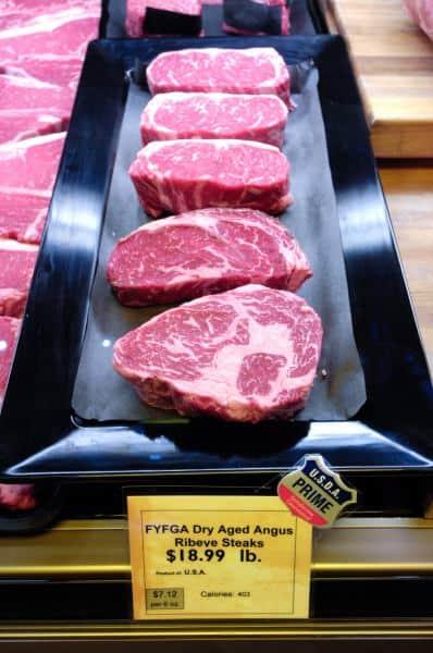 נתחי בשר בקר אנגוס (צילום USDA)